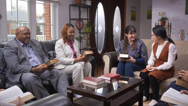Quatro cristãos em Reunião